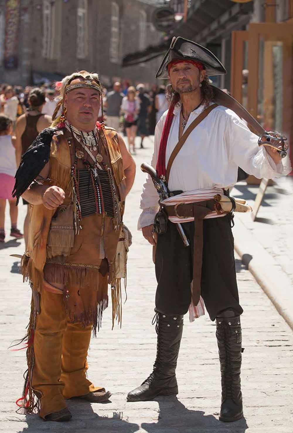 Photos de pirate avec Capitaine Loran et un Amérindien Wanda
