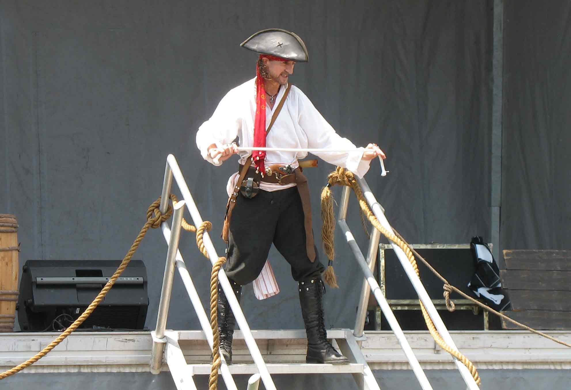 Spectacle pirate du Capitaine Loran et sa corde magique