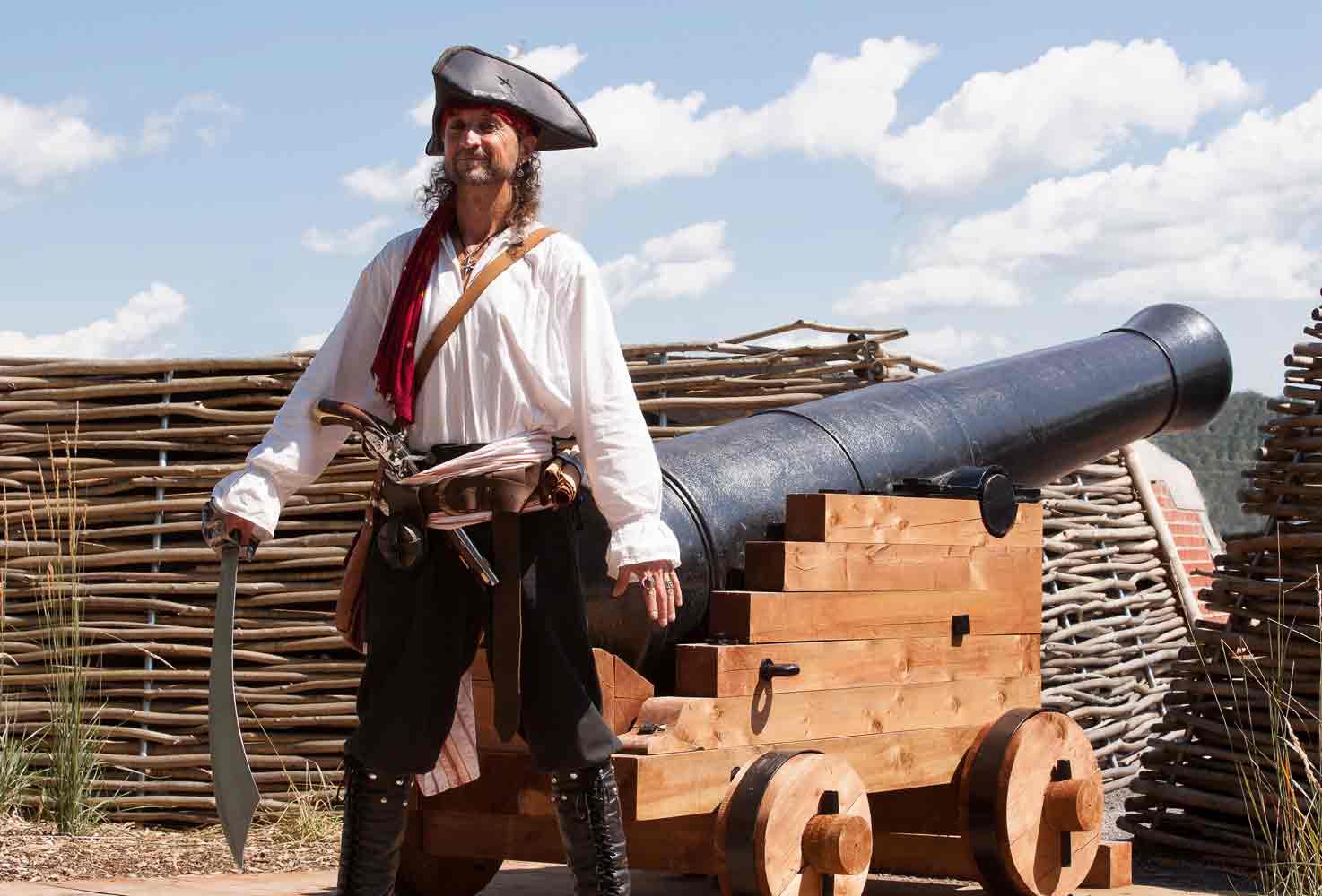 Photos de pirate avec Capitaine Loran et son canon